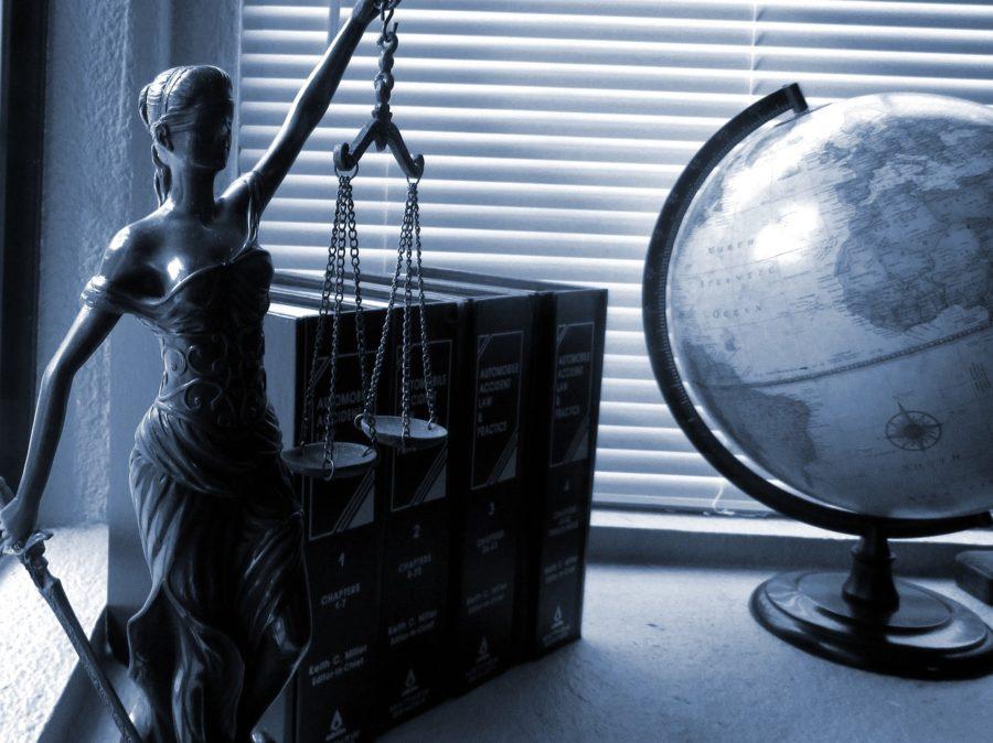 ישות משפטית